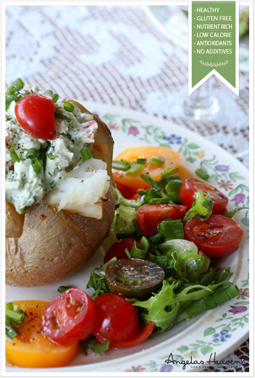 healthy-lunch-baked-potato-with-chevre