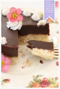 Healthy-raw-coconut-chocolate-cream-cake2