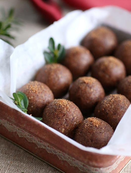 nyttiga-rawfood-pepparkaksbollar