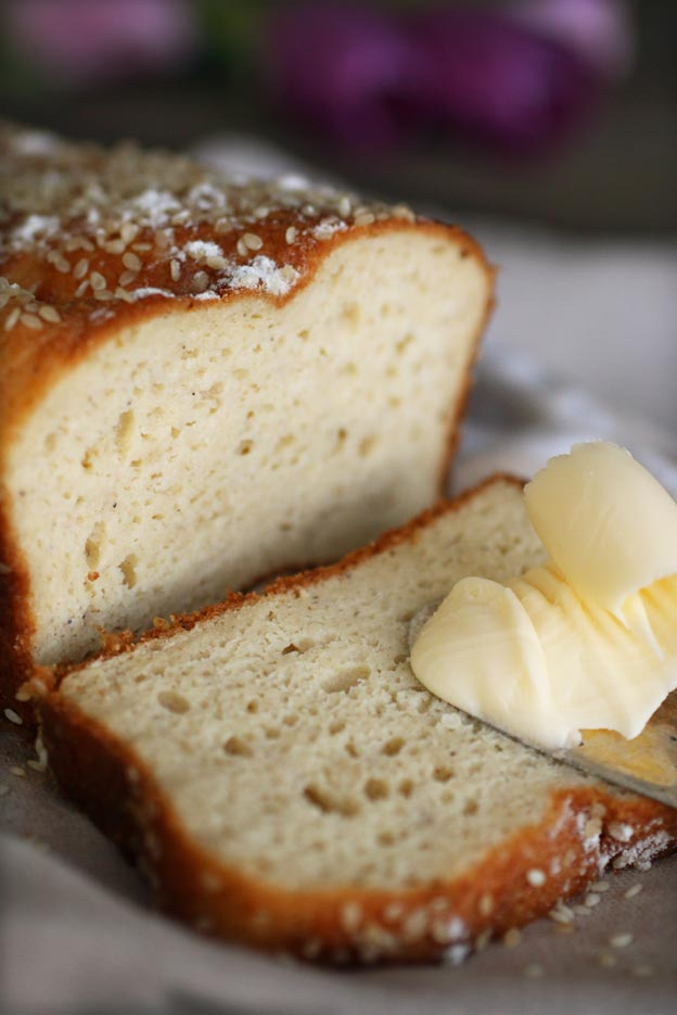 The-flour-free-bread-(LCHF)