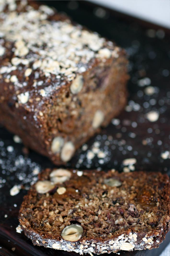 Glutenfree-bread-with-nuts,-fruit-and-black-beans3