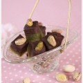 Pistachio marzipan with fudge and dark chocolate